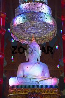 mit Perlen besetzte Buddha Statue im  Tempel Wat Khao Rang, Phuk