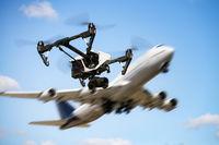 Symbolfoto Drohnen und Flugverkehr