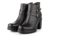 Pair of black leather woman winter boot