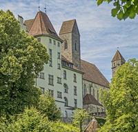Grundschule Herrenberg und Stadtpfarrkirche in  Rapperswil, Schweiz