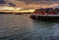 Lofoten rotes Fischerhaus