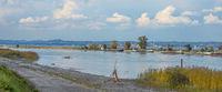 Blick von der Fußacher Bucht in Österreich nach Lindau auf deutscher Seite