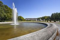 Schloss Herrenchiemsee in Bayern mit Springbrunnen