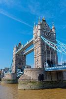 Die berühmte Tower Bridge in London