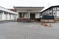 Pförtnerhaus in einer Keramikfabrik