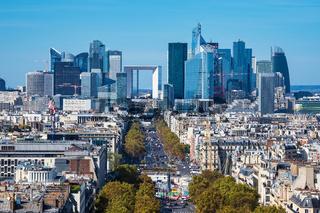 Blick auf die Bürostadt La Defense in Paris, Frankreich