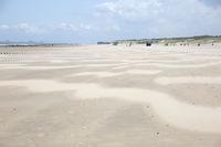 Menschenleerer Sandstrand bei Cadzand