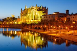 Kirche Catedral de Palma de Mallorca Kathedrale Nacht Spanien