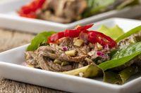 Fleischsalat mit Chili aus Thailand