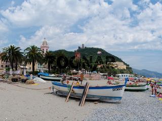 Am Strand von Noli - Ligurien - Italien