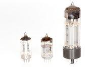 drei verschiedene Elektronenroehren