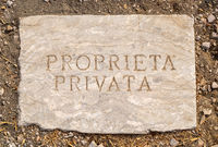 Italian private property sign
