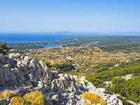 Luftaufnahme der Insel Rab mit der Stadt Rab, Kroatien