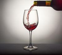 Pouring, wine, glass, red wine, Valentine's Day, alcohol, splash, luxury, gourmet,