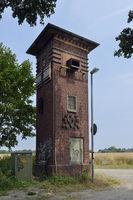 alte Trafostation... Naturschutzstation * Nisthilfen *