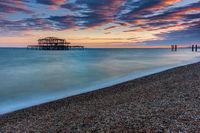 Der alte zerstörte West Pier von Brighton in England