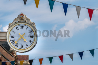 Old antique clock showing time