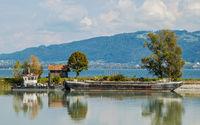 Bagger- und Kieslastkähne am Neuen Rhein bei Fussach,Österreich
