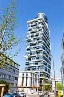 Der Henninger Turm in Frankfurt am Main. 17.04.2017.