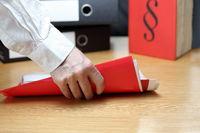 Steuerordner mit Dokumenten