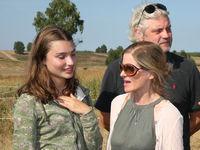 Hauptdarstellerin (Lou) Leia Holtwick mit Regisseurin Sharon von Wietersheim bei Dreharbeiten zum Remake des Filmklassikers