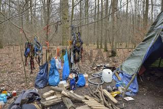 vorbereitet... Hambacher Forst, Kletterausrüstung der Aktivisten für den Erhalt des Waldes