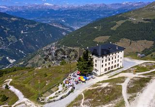 Hotel Weisshorn über dem Tal Val d'Anniviers, Saint-Luc, Wallis, Schweiz