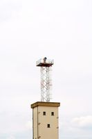 Wachturm mit Flutlicht