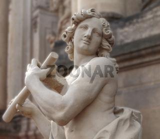 Flötenspieler, Skluptur im Zwinger, Dresden, Sachsen, Deutschland