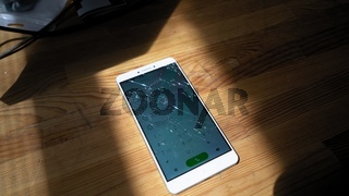 Xiaomi MI Max broken phone with brigth dialing menu on display
