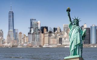 Statue of Liberty manhattan building