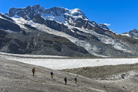 Gletschertrekking auf dem Gornergletscher, Zermatt, Wallis, Schweiz