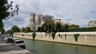 Notre-Dame in Paris ist nach dem Brand vom April 2019 notdürftig gesichert