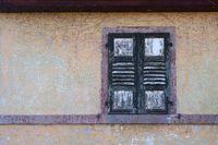 Maroder Fensterladen