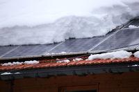 Solardach unter Schnee