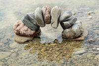 Steintor steht im Wasser