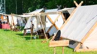 Zeltlager und Marktstand bei einem Mittelalter Spektakel