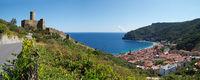 Panoramaaussicht auf Noli - Ligurien - Italien