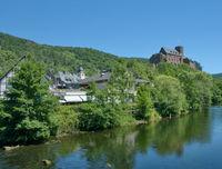 Heimbach mit Burg Hengebach an der Rur in der Eifel,Nordrhein-Westfalen,Deutschland