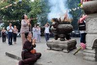 Buddhist at pagoda