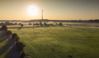 Die Wiesen an der Ruhr in Duisburg im Frühnebel bei Sonnenaufgang aus der Luft