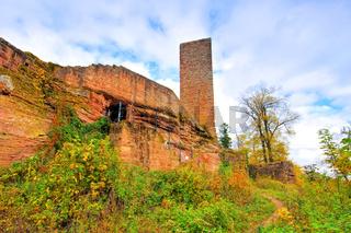 Scharfenberg Burg im Herbst im Pfälzer Wald - castle Scharfenberg in Palatinate Forest in autumn, Germany
