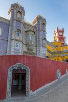 Der Pena Palast nahe Sintra, Portugal, Europa