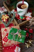 Bunte Geschenke zu Weihnachten