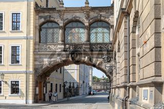 Überbrückung, Durchgang zwischen Residenzschloss und Taschenbergpalais, Dresden, Sachsen