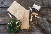 Geschenke und Dekoration zu Weihnachten