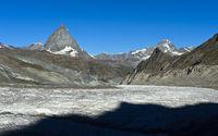 Matterhorn, links Dent d'Herens,rechts Dent Blanche, Gornergletscher vorn, Zermatt, Wallis, Schweiz