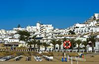Hotelanlagen hinter dem Strand