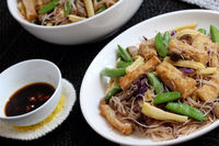 Dry rice vermicelli fried with vegetable