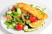 Grilled salmon and vegetables